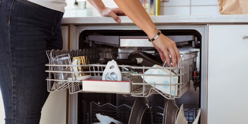 The Right Way to Clean Your Dishwasher