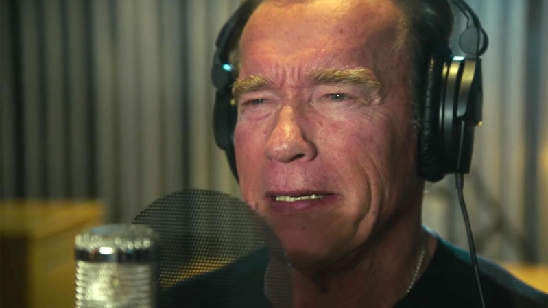 Entertainment Arnold Schwarzenegger Makes Early Bid For
