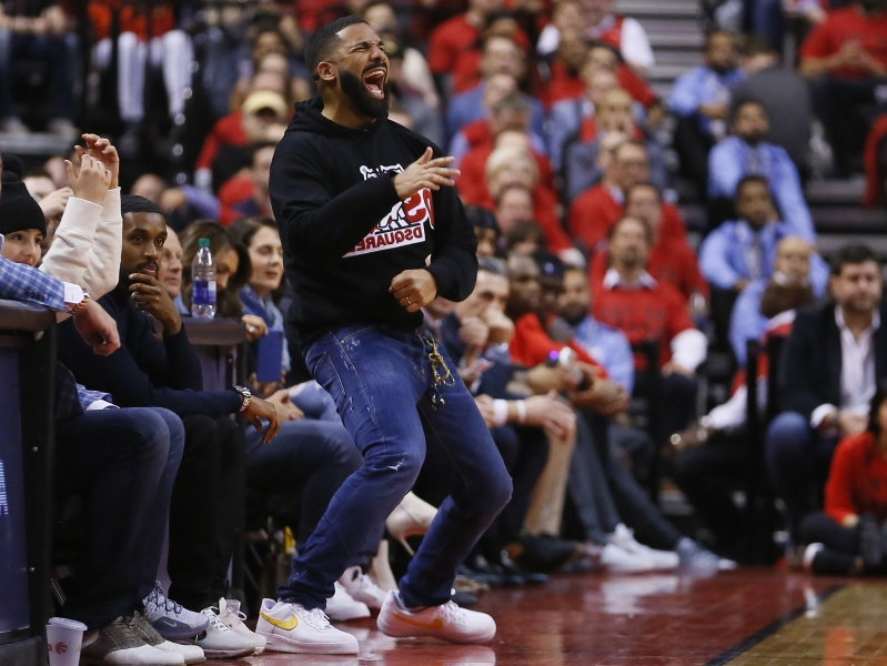 58aa01db73d Fashion statement: Drake wears Dell Curry Raptors jersey to Game 1 of NBA  Finals