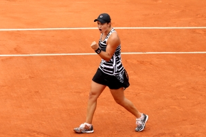 French Open: Ash Barty dominates Danielle Collins to reach third round, Sam Stosur crumbles