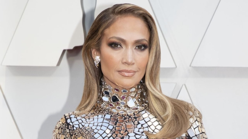 Jennifer Lopez Opens Up About Her Debut Album 'On the 6' Turning 20