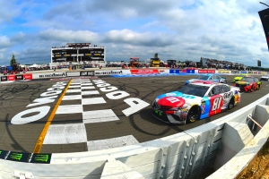 NASCAR moves up start time for Pocono race
