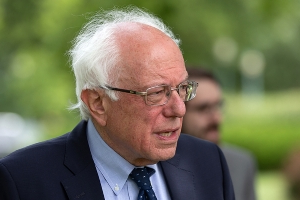 Sanders slams 'anti-Semitic article' about his wealth