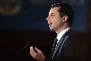 Buttigieg says he would vote to impeach Trump, but won't second guess Pelosi