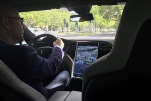 This Video Of A YouTuber's Tesla Driving On Autopilot With No One In The Driver's Seat Is Deeply Stupid
