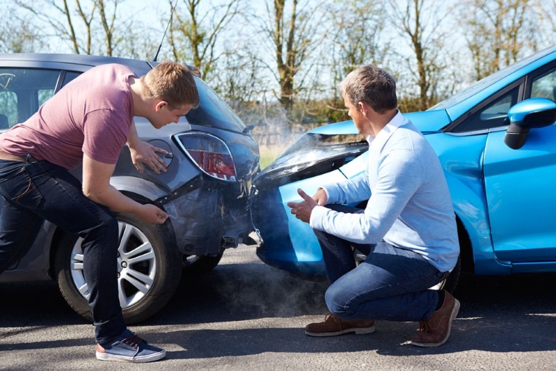 What to do if you have an accident in a hire car