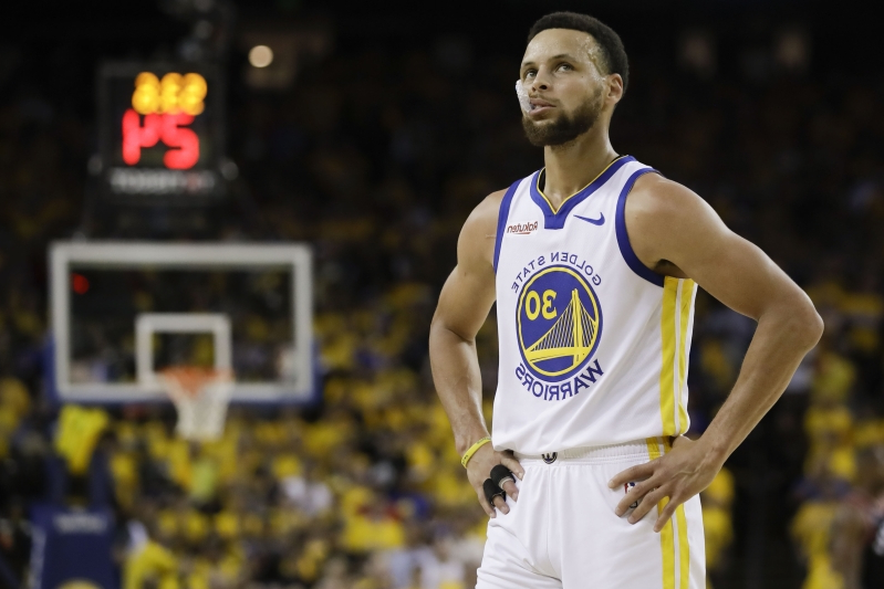 Opinion: Steph Curry sees what it's like to play without All-Stars surrounding him