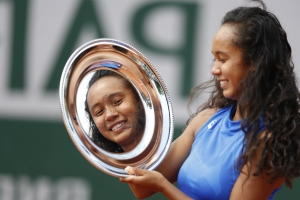 Canada's Leylah Annie Fernandez wins French Open girls' title