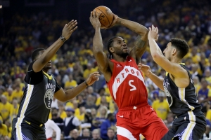 Leonard dominates as Raptors take 3-1 Finals lead vs. Warriors