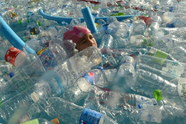 Canada to ban single-use plastics from 2021