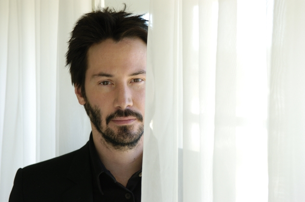 Keanu Reeves just made a major announcement and Twitter is in meltdown