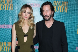 Fans are calling Keanu Reeves a 'respectful king' after noticing he doesn't touch women in photos