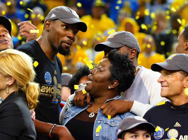 Kevin Durant's mother puts son's critics on blast with passionate message following injury