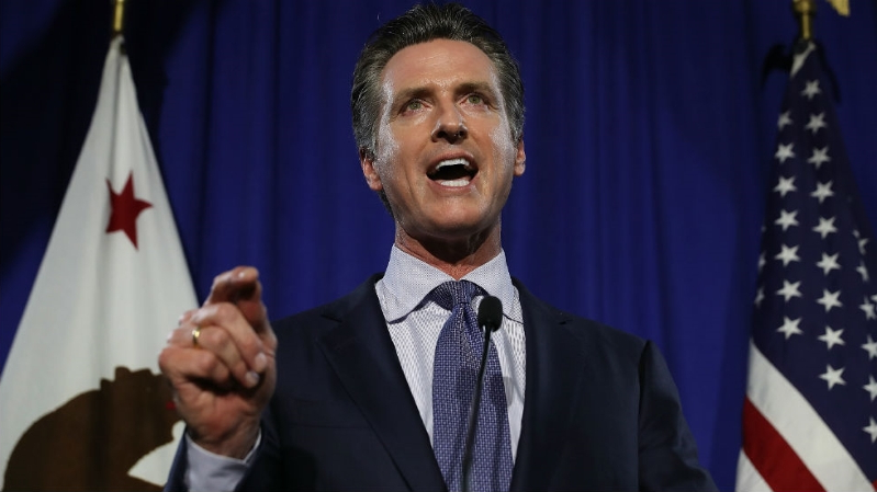 Newsom calls on racetrack to halt races until further inspection following 29th horse death