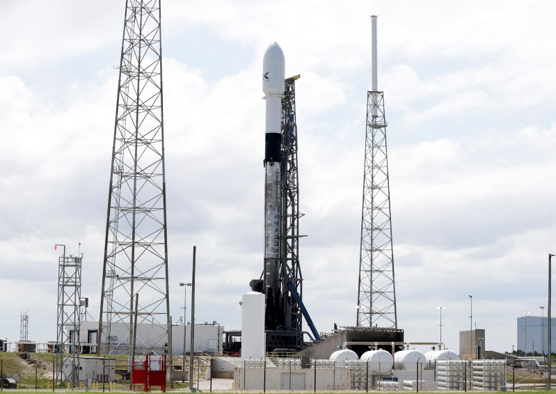 Technology: The Latest: SpaceX recovers rocket after ...