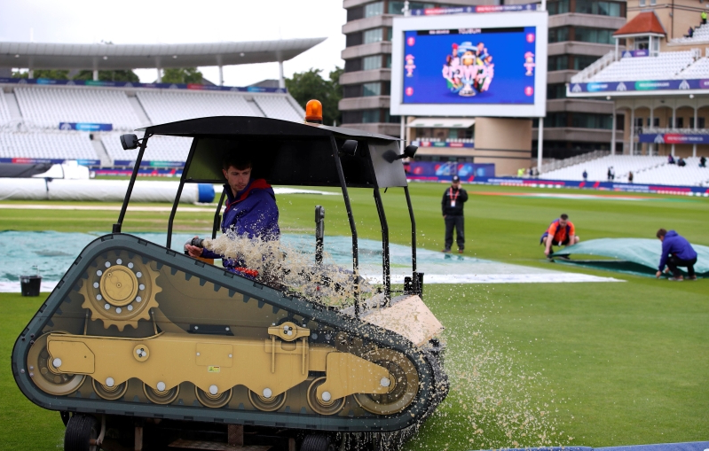 Rain, soggy outfield delay start at overcast Trent Bridge