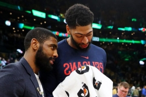 Report: Due to concerns about re-signing him, Boston holds back on Anthony Davis offer