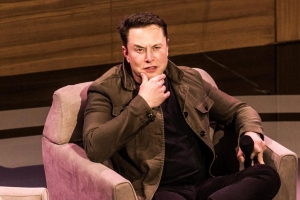 Elon Musk says he deleted his Twitter account, and we're all confused