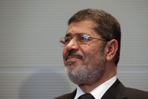 Former Egyptian President Mohamed Morsi dies after collapsing in courtroom
