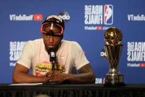 Kawhi Leonard likely to choose between Raptors, Clippers
