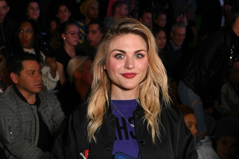 "Frances Bean Cobain Sings ""Sad Song"" That Sounds Like It's About Her Dad"