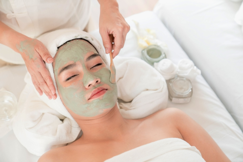Style: How to Know If You Should See an Esthetician or a