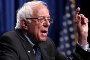Sanders denies tweet about corporate Democrats was dig at Warren