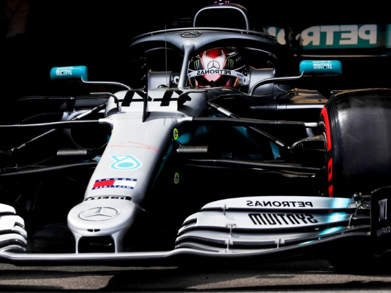 Hamilton blitzes pole, Vettel seventh