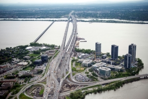 Massive new bridge connects island of Montreal to rest of Canada