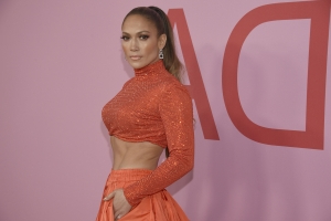 So THIS Is The Book That Inspired J.Lo And A-Rod's 10-Day Challenge