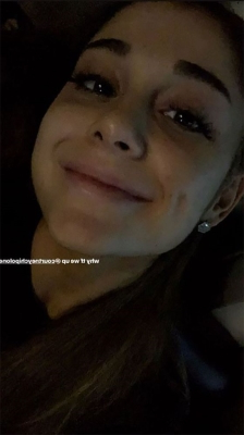 Ariana Grande Says She's 'Too Grateful' in Rare Natural-Faced Selfies Amid Bout with Bronchitis