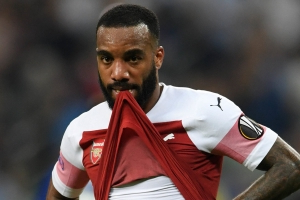 Arsenal to hold talks with Lacazette's agent - should they sell?
