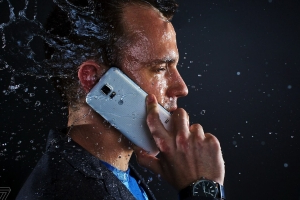 Samsung charged with misleading Galaxy phone owners over water resistance