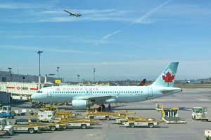 No explosives found after bomb threat at Montreal's Trudeau airport