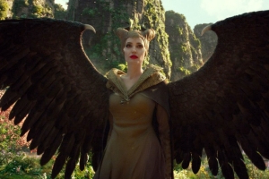 Angelina Jolie wages fairy warfare in Maleficent: Mistress of Evil trailer