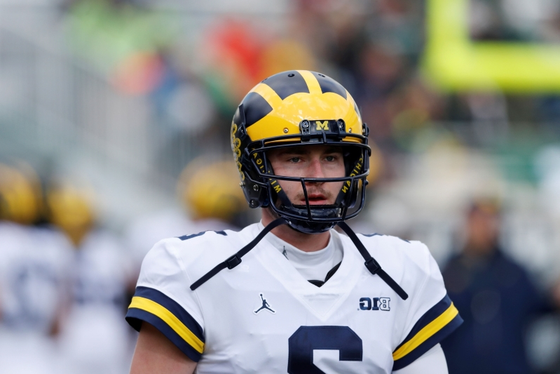 separation shoes 5974c 2a01a Sport: Michigan QB Shea Patterson blasts fake deleted tweet ...