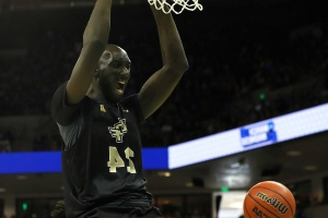 Celtics' Tacko Fall is quickly becoming a Summer League sensation