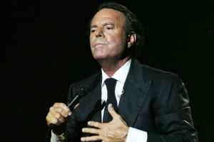 Spanish Judge Rules Against Julio Iglesias in Paternity Case