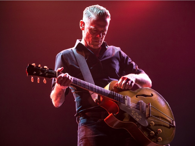 Bryan Adams gets reacquainted with Saskatoon fans