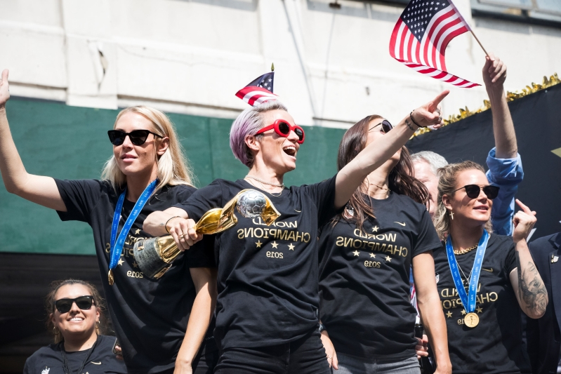 Megan Rapinoe hailed as a patriot at Women's World Cup parade: 'God bless her'