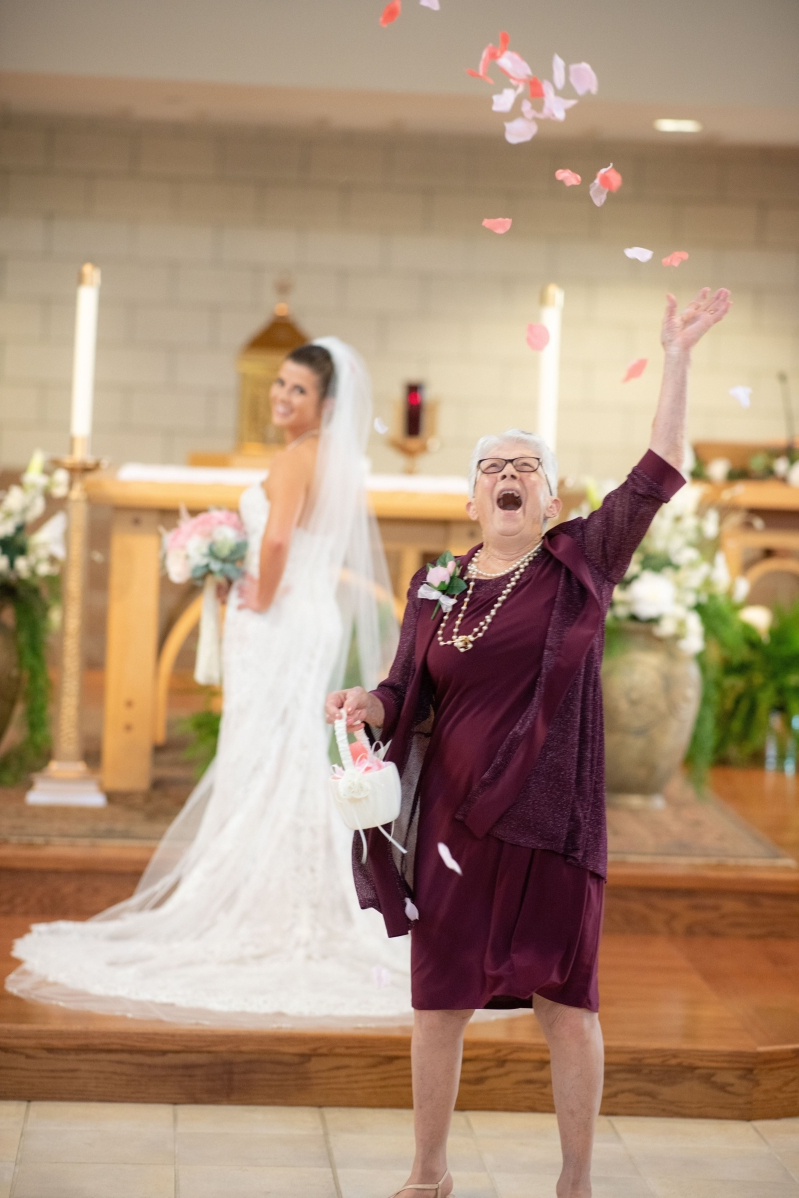 c26294b27 Family & Relationships: This Bride's Gorgeous Grandma Totally Rocked ...