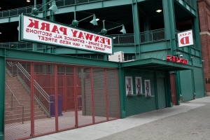 Foul ball injures fan at Fenway Park on Saturday