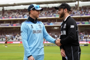 New Zealand bat first against England and eye 'incredibly special' World Cup triumph