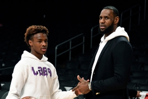 LeBron James Jr. Is 14. He Already Draws Curious Crowds.