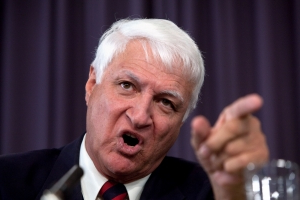 'You bloody sheila': Bob Katter's bizarre rant on why women shouldn't referee rugby league games leaves a Today show host stunned