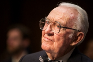 2020 Dems honor Justice Stevens