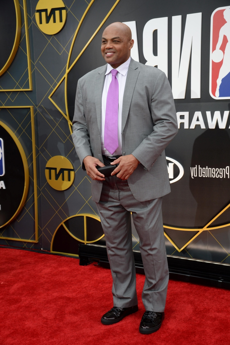 Sport: Charles Barkley: Zion Williamson isn't fat but 'can't