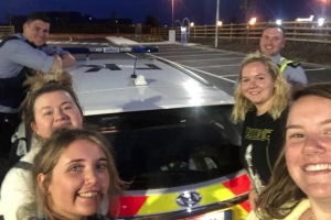 Gardai praised for act of kindness on M50 after helping girls coming from Dublin Airport as car breaks down