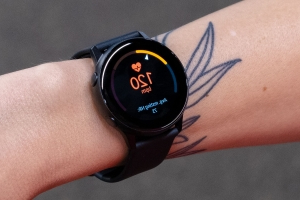 Samsung's new Galaxy Watch Active will have ECG heart rate tracking, report claims