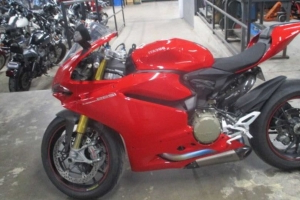 Sweet 2015 Ducati 1299 Panigale S Only Has 974 Miles